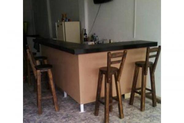 muebles-para-bar-4d757507d721d0e17fcbfa1cb47320D00-CF76-8552-F186-78C8EF1C376A.jpg
